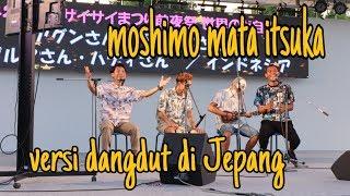 DANGDUT MOSHIMO MATA ITSUKA MENGHIBUR WARGA DI KONSER PERAYAAN ALUN-ALUN JEPANG.