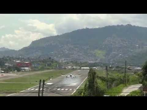 Landings and take off from Tegucigalpa Toncontin HONDURAS