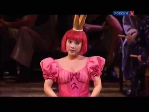 """""""The Tales of Hoffmann"""". Olympia's aria """"Les oiseaux dans la charmille"""""""