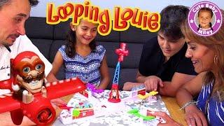 VERRÜCKTER LOOPING LOUIE | Louie kommt im Sturzflug angesaust pass auf die Hühner auf |CuteBabyMiley