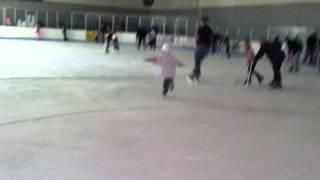 DEUBLERS KIDS Alex skating