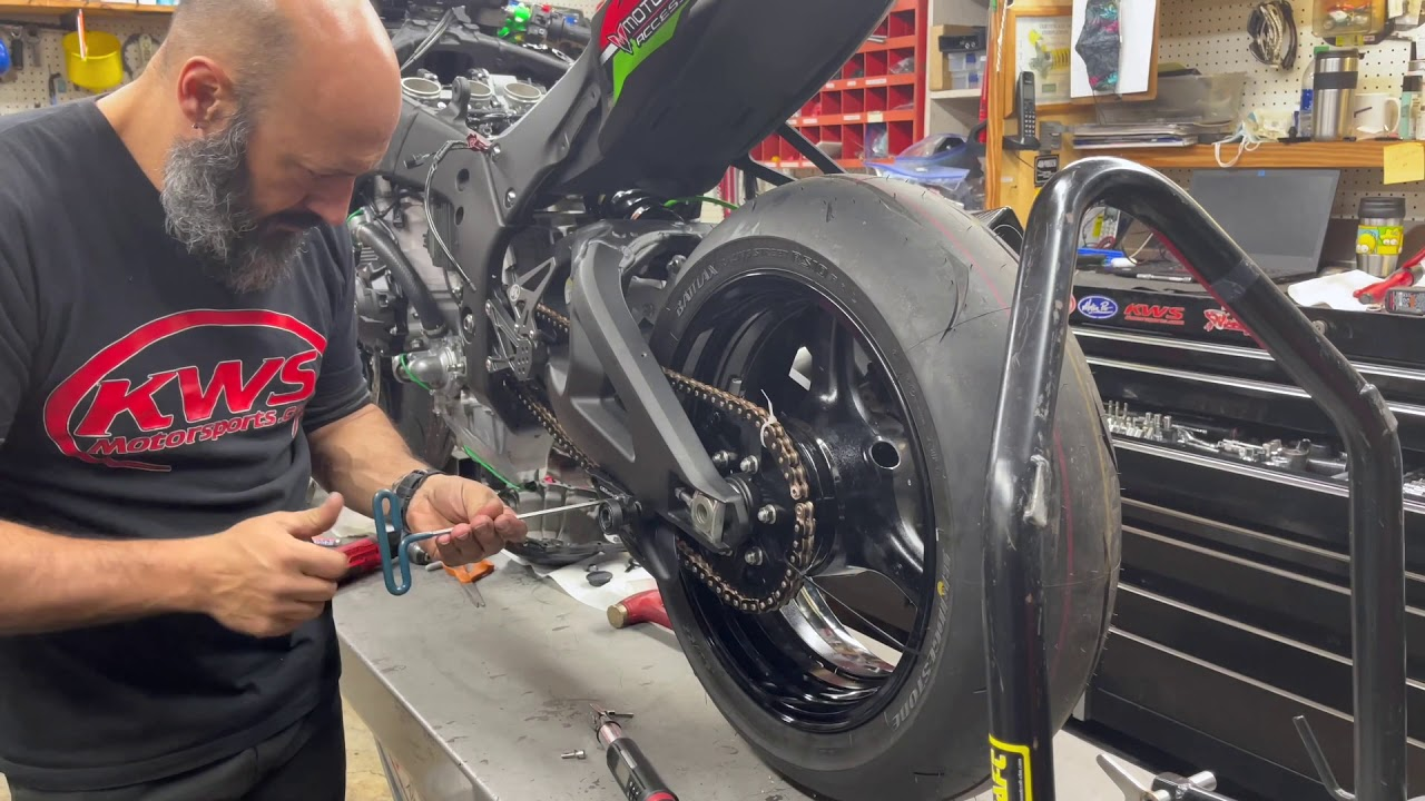 Watch The FAST ZX10R Go From Street to Race Trim