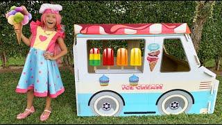 Sofia Pretend Play Selling Ice Cream