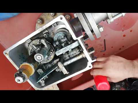 Tank cleaning machine on tanker ships