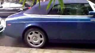 Rolls-Royce Phantom xuất hiện tại Nha trang nè.mp4