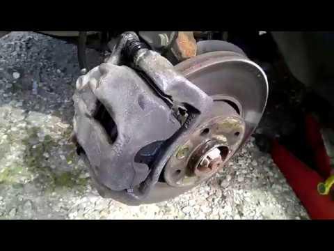 Lada Largus - Замена передних тормозных колодок