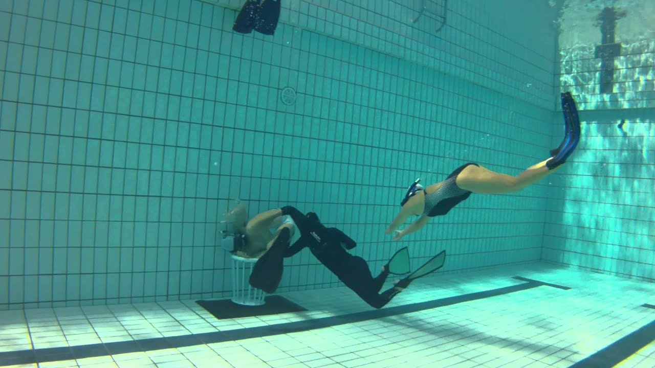 Underwater Asian 86