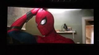 Смешной отрывок из финала фильма человек паук возвращение домой - Тётя Мэй