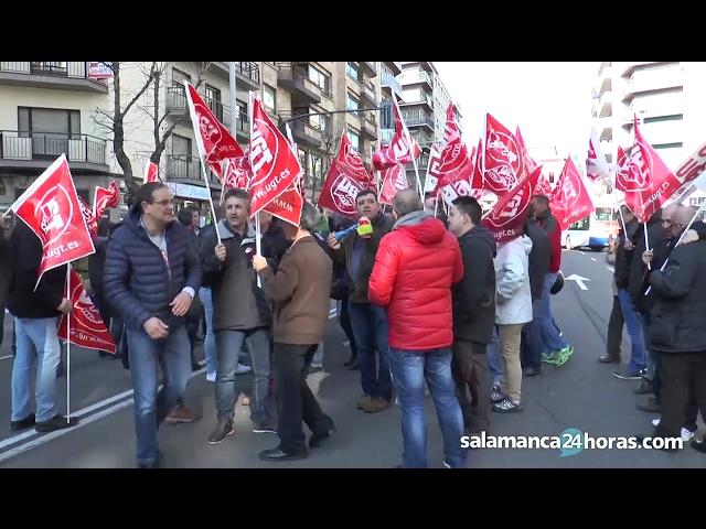 Protesta de los trabajadores del transporte sanitario en Salamanca