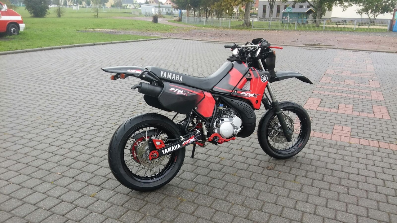 dt 125 r custom rebuild switch to supermoto youtube. Black Bedroom Furniture Sets. Home Design Ideas