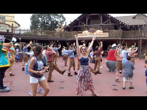 walt-disney-world-vlogs-september-2014:-day-1-part-2---magic-kingdom-and-hoedown-(episode-129)