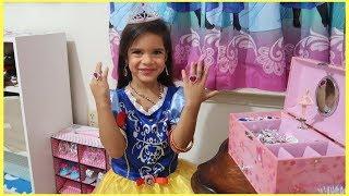 Kids pretend play PRINCESS Dress up w/ Makeup Toys