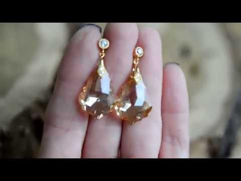 Золотистые серьги с кристаллами Сваровски