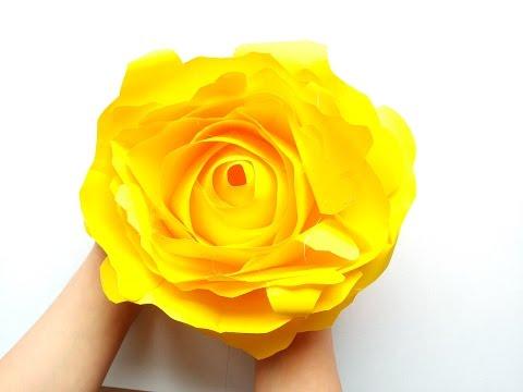 Eine Gigantische Rose Aus Papier Basteln Papierblumen Selbermachen Diy Ideen
