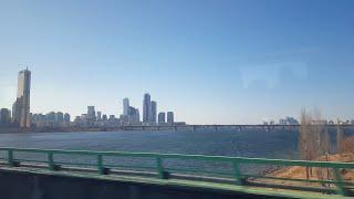 서울역을 출발하는 KTX 창밖 풍경