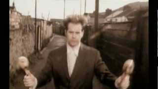 Crowded House - Locked Out