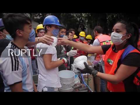 Mexico: Neighbours pull together as capital's park becomes soup kitchen for quake survivors