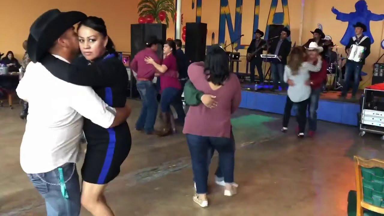 Es Miercoles, y hoy vamos a recordar nuestros primeros videos en oklahoma city!  adictos al baile