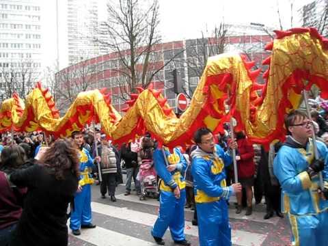 Dragon Chinois le dragon (nouvel an chinois 2011) - youtube