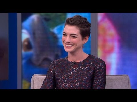 Anne Hathaway Interview 2014: Actress Is the 'Jewel' of 'Rio 2'