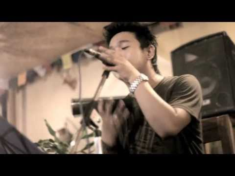 Aashiyaan (Barfi) cover by The Breathing Strings live at Sugarcane, Lakeside