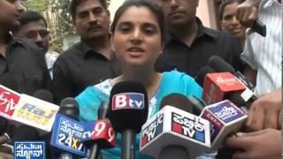 Divya Spandana/Ramya cast her vote - ನ್ಯೂಸ್ ಹೆಡ್ಲೈನ್ಸ್ News bulletin 17 Apr 14