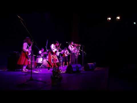 JapaLkan performing in Belgrade