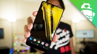 Essential Phone Review: Maximum Hardware, Minimum Software