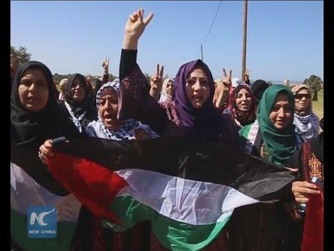Raw: Palestinian women demonstrate near Gaza-Israel borders