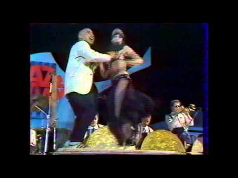 Coati Mundi with Kid creole. live, en concert en france 1983