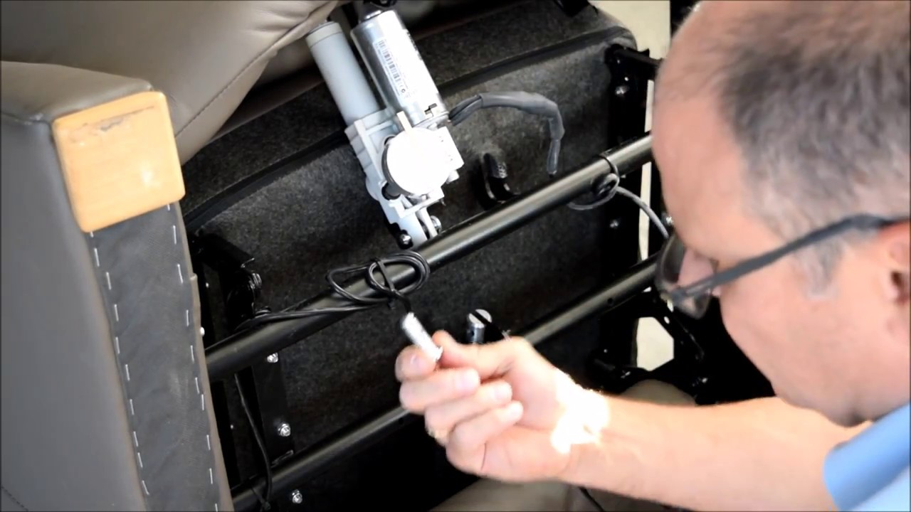 Reparatur Des Stellantrieb Eines Sofa Fehlersuche Bei Der Fussverstellung Youtube