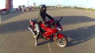 УЧУ ДЕВУШКУ ЕЗДИТЬ НА МОТОЦИКЛЕ(MOTO VLOG)/My girlfriend is learning to ride a motorcycle