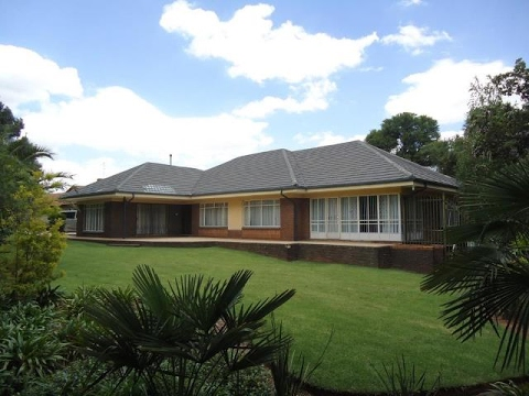 4 bedroom house for sale in florida park roodepoort