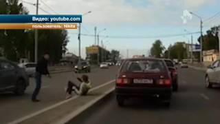 В Томске агрессивный водитель жестоко избил владельца иномарки прямо на проезжей части