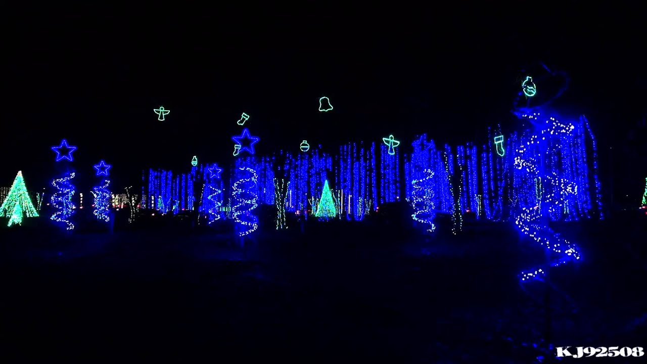 Christmas Light Show With Music