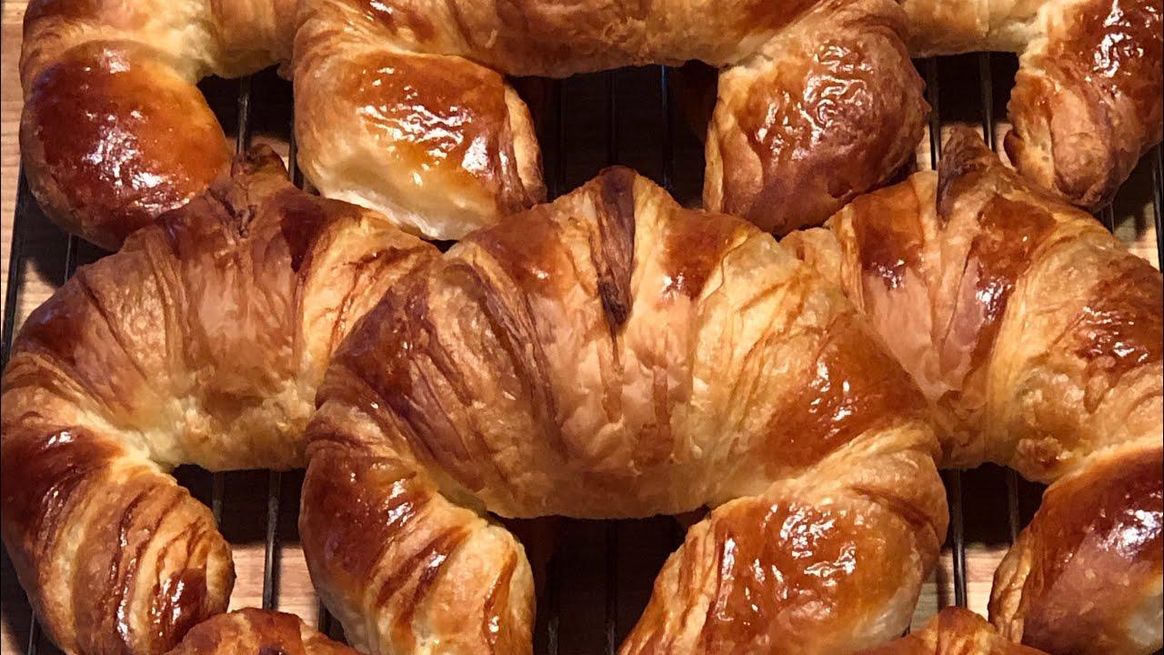 Croissants au beurre fait à la maison - YouTube