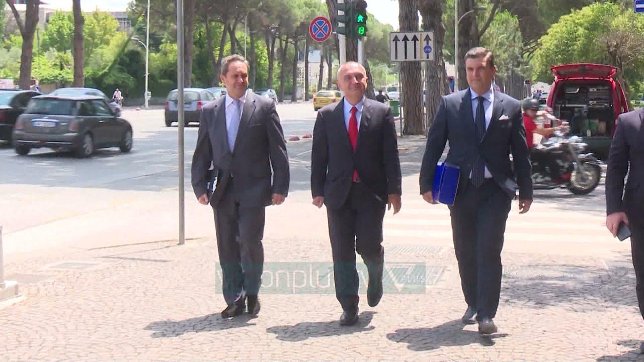 Download Shkarkimi i Metës nga Kuvendi/ Kushtetuesja kalon vendimin në seancë gjyqësore - Vizion Plus