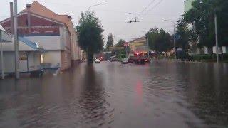 Потоп в Гомеле или большой уличный бассейн.mp4(, 2012-07-10T20:10:45.000Z)