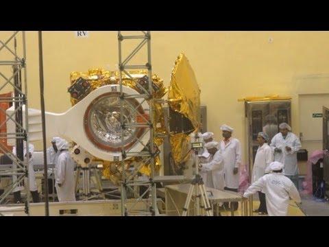India scientists assemble Mars Orbiter vehicle