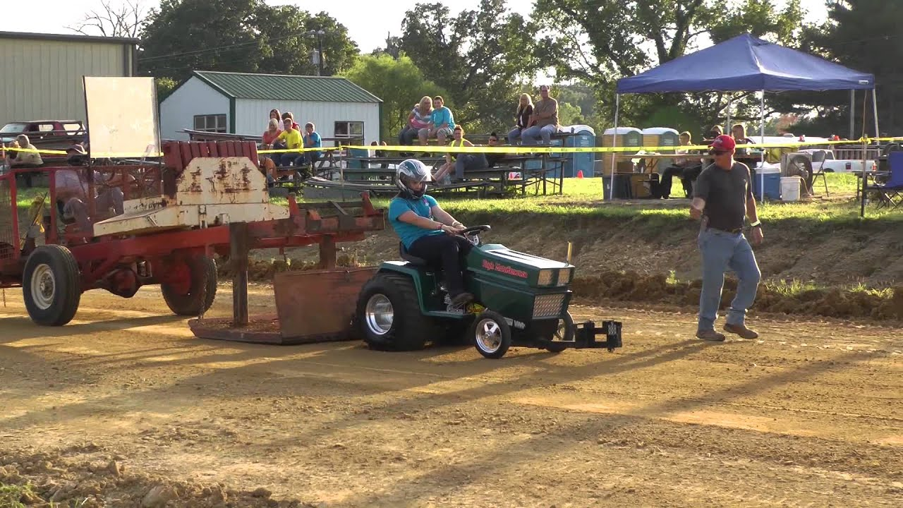 Mooretown VFD Lawn and Garden Tractor Pull - Kids Pull - YouTube