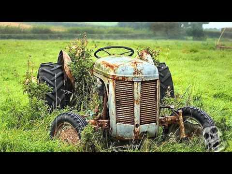 The Abandoned Farm Tractors 2016. Creepy Old Rusty Tractors.