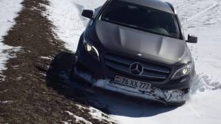 Mercedes Benz GLA 250 4matic Off road Snow and Dirt / RF staff Video