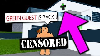 GREEN GUEST TROLLS ME WITH ADMIN COMMANDS!! (Roblox)