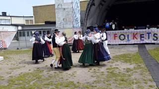 Folkdans på Sveriges Nationaldag