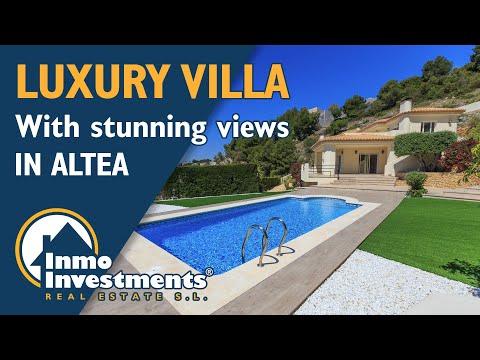 Villa with sea view in Altea