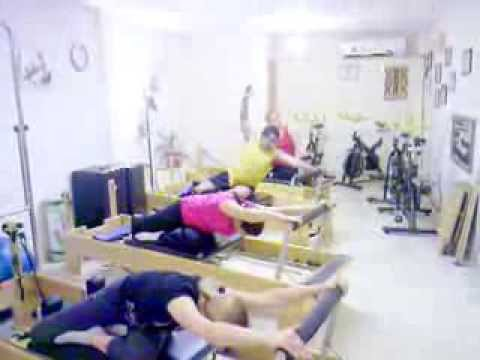 Pilates Reformer. Torsión y estiramientos....