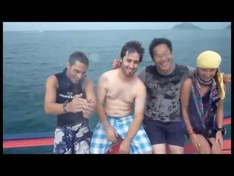 Diving rocks!! 20111231 by Jordan Lien@Phoenix Diver