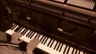 Mưa trên phố bay xa (piano)
