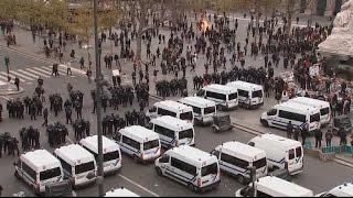 Echauffourées à Paris en marge de rassemblements pour la Cop21