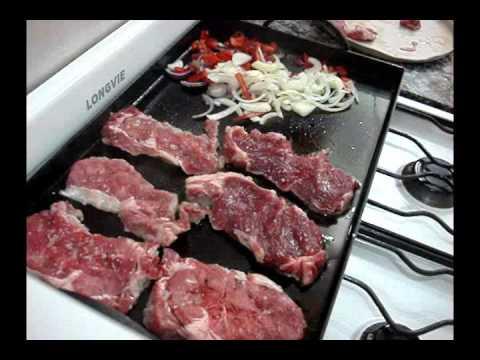 bife de carne con cebolla y huevo